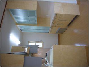 ワークトライアングル(レンジ・シン ク・冷蔵庫の位置と距離)が短く使い易いキッチンになりました。
