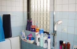浴室にも電気式暖房乾燥機が設置してありましたが、とにかく寒いとの事でした。