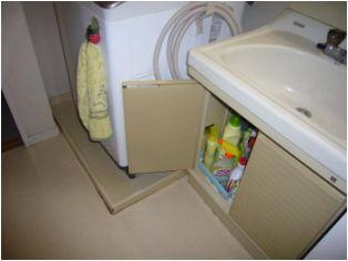 そのために、洗面台は幅60cmの一番小さなタイプでした。