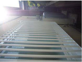 下部の配管カバーがあると、温水配管が見えず、スッキリします。