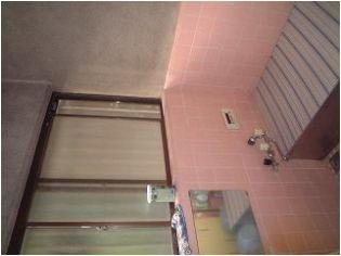 広さが1坪あり冬、寒い浴室でした。